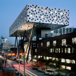 The Sharp Centre for Design and the OCAD University main building. Photo: Richard Johnson, interiorimages.ca.